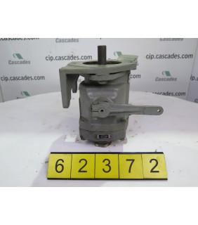 HYDRAULIC PUMP - VICKERS - PVB15-FRDY-30-M-10 - USED