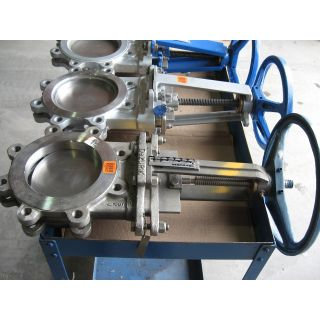 "KNIFE GATE VALVE - 6"" - DEZURIK - MANUAL - METAL SEAT"