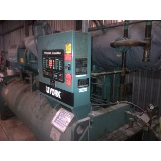 YORK MILLENNIUM ROTARY SCREW LIQUID CHILLER - Capacity: 350 Ton @ 38°F TSE